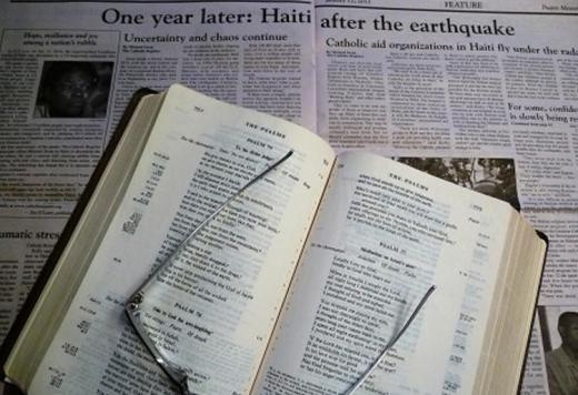 20170131-newspaper-and-bible